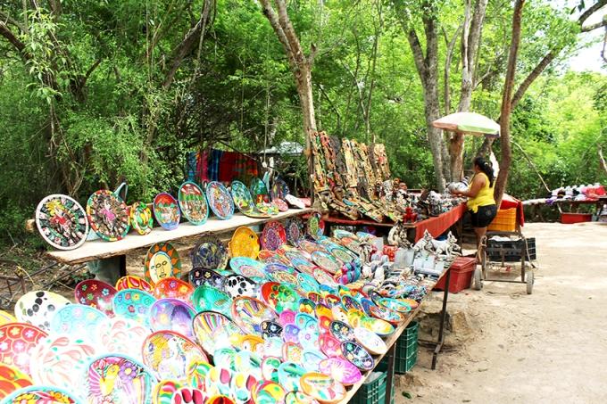 road-trip-chichen-Itza-valladolid-merchants