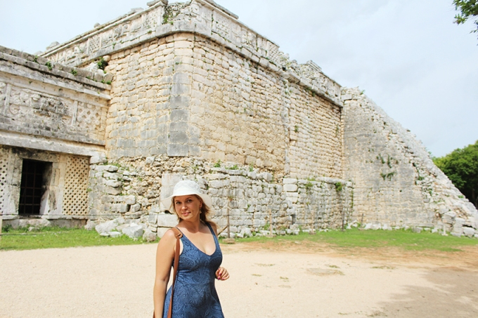 road-trip-chichen-Itza-valladolid-Nunery-Model